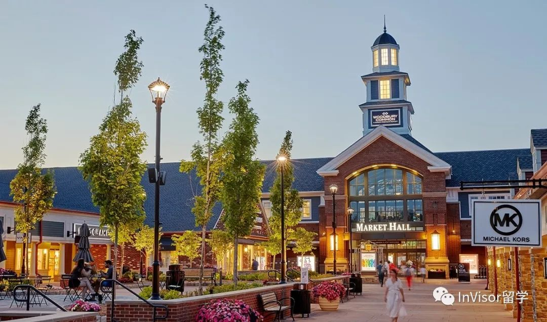 哥大购物Woodbury Common Premium Outlets